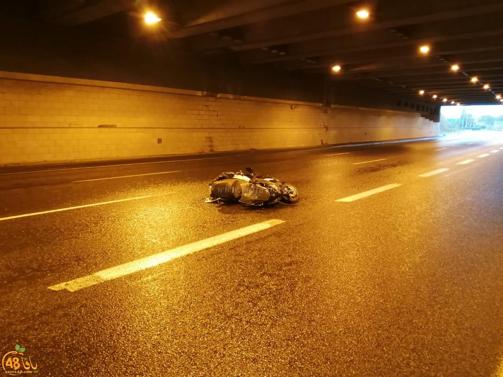 مصرع راكب دراجة نارية 20 عاماً بحادث طرق قرب يافا