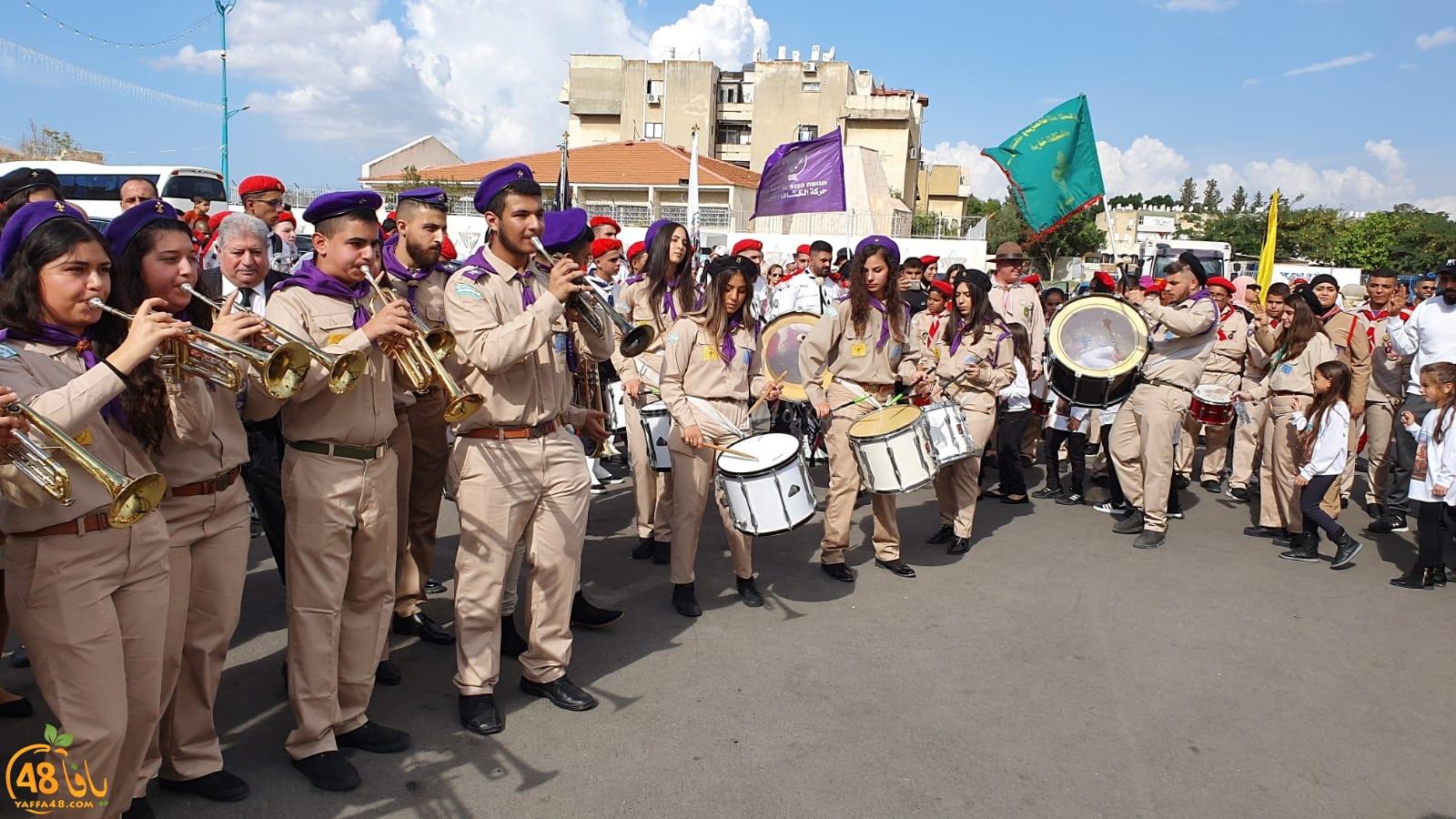 فيديو: جموع غفيرة من كافّة أنحاء البلاد تحتفل بعيد الخضر عيد لد