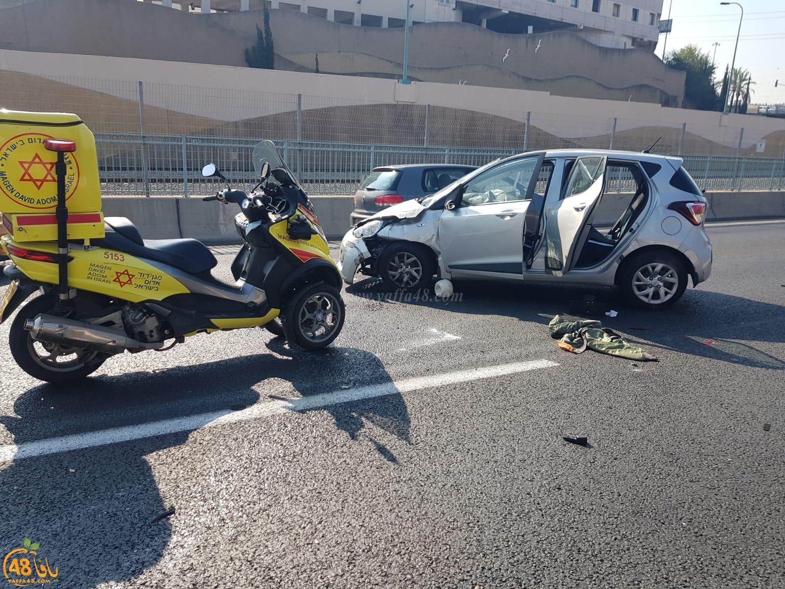 اصابة طفيفة لشخصين بحادث طرق قرب مفرق فولفسون جنوب يافا