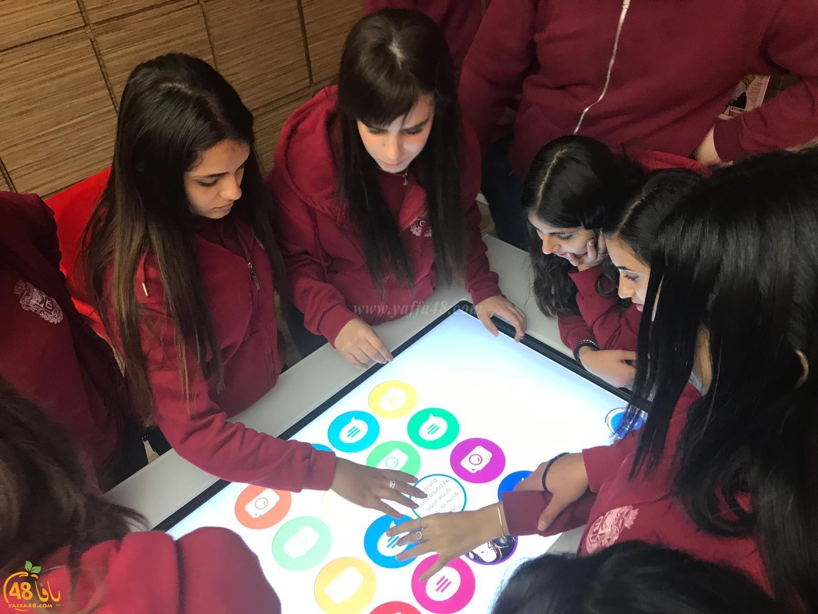 طلاب الفرع الادبي من مدرسة تراسنطا في جولات تعليمية لعدة شركات