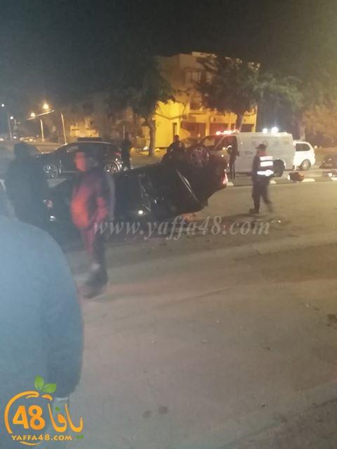 منتصف الليلة - انقلاب مركبة في مدينة الرملة واصابة شخص