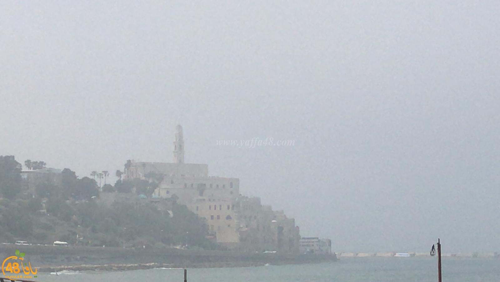 ضباب على شاطئ يافا والمنطقة