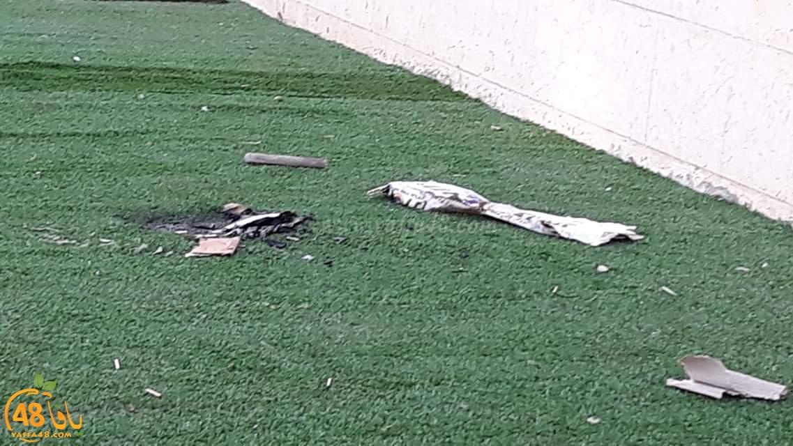 فيديو: تخريب وتكسير ممتلكات وخلع أشجار في مدرسة الزهراء الابتدائية بمدينة اللد