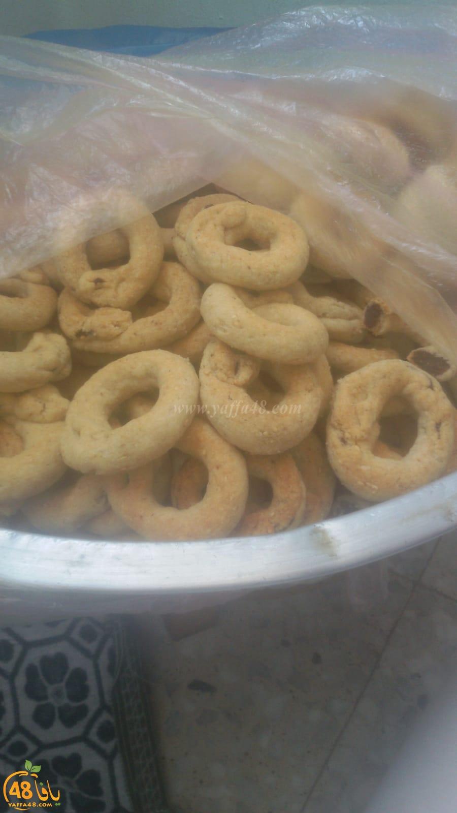 صور من استعدادات اهالي يافا والمنطقة لاستقبال العيد بالكعك والمعمول