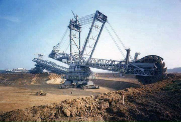 شاهد: ثاني أكبر آلة صنعها الإنسان بتكلفة 100 مليون دولار