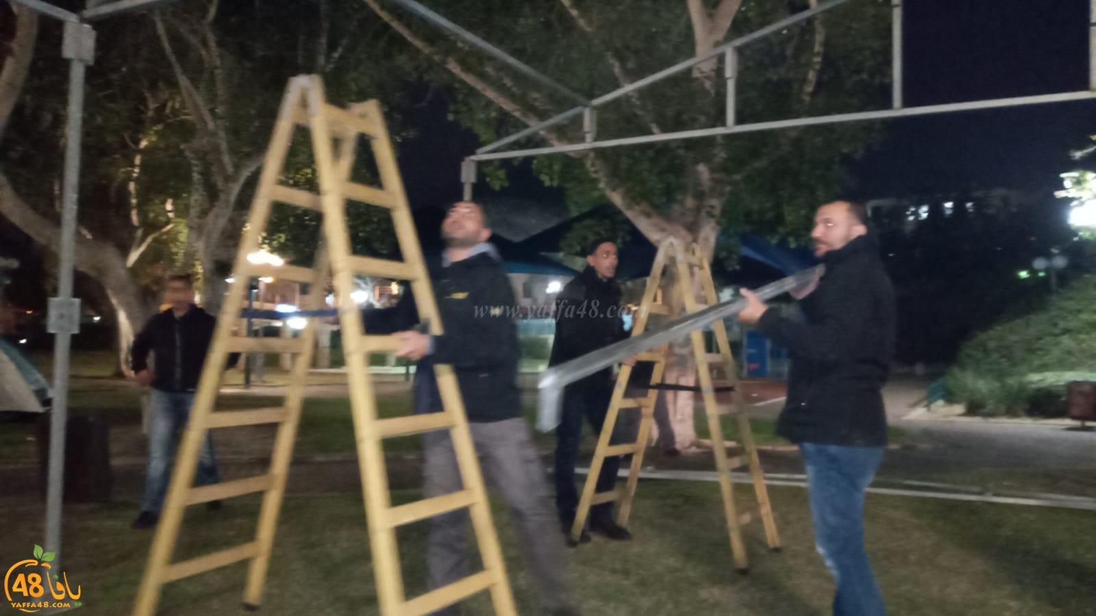 فيديو: اصرار جماهيري عنيد - نصب خيمة أكبر لعائلة يافاية في حديقة الغزازوة