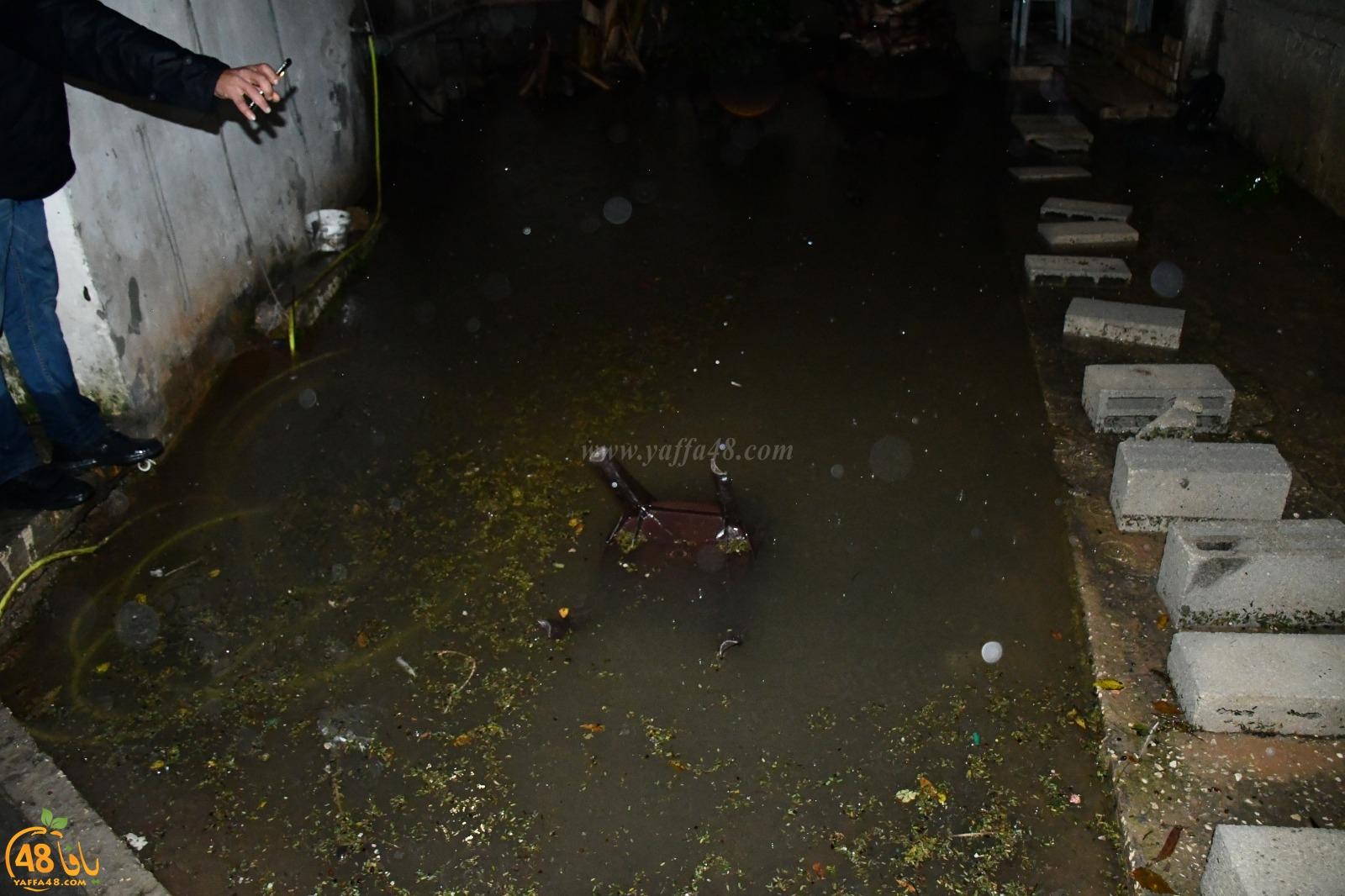 فيديو: جمعية يافا تهرّع لاغاثة 5 عائلات متضررة جراء مياه الأمطار في بيارة دكة