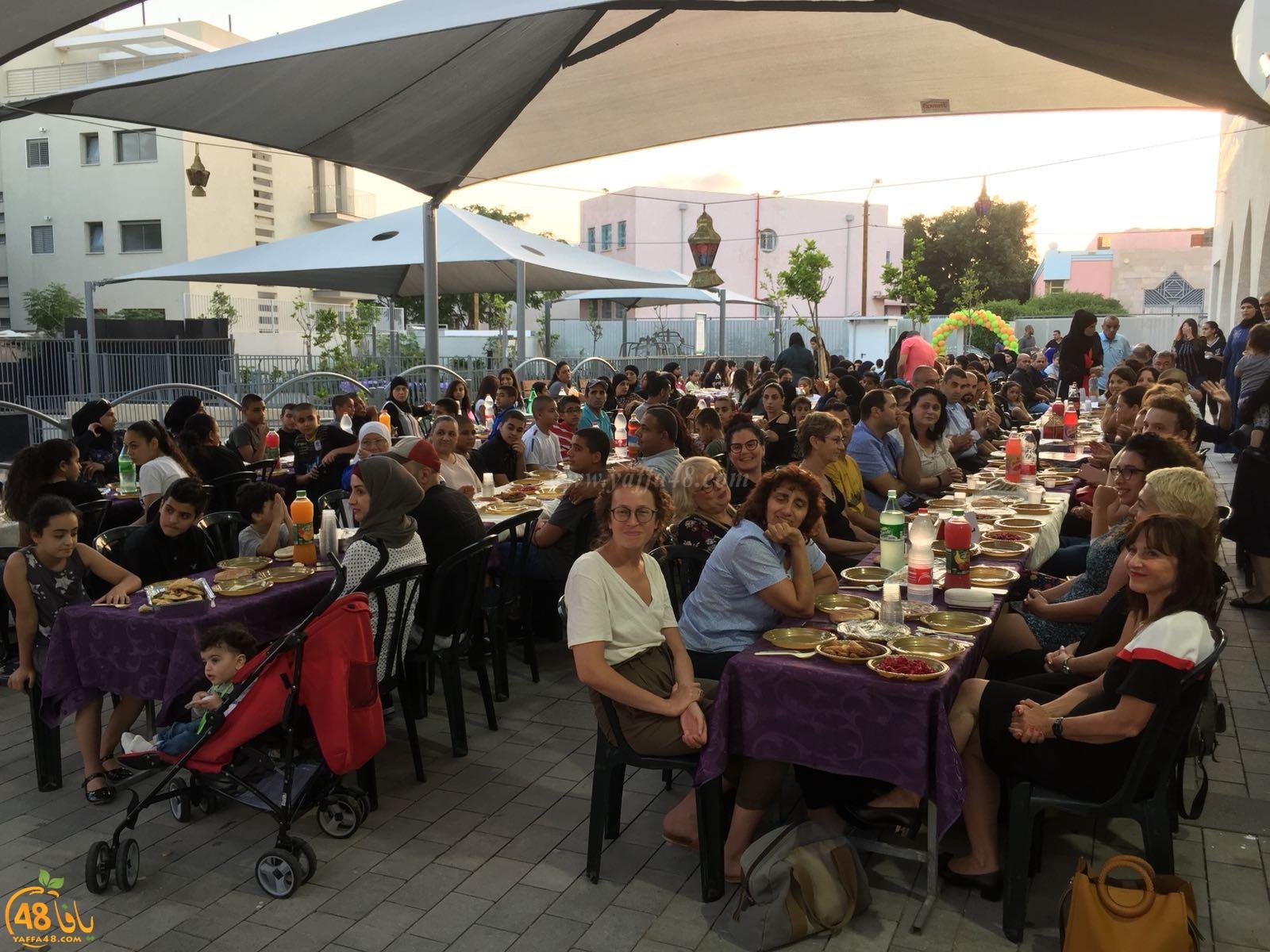 أمسية إفطار جماعي للطلاب وذويهم في مدرسة يافا المستقبل