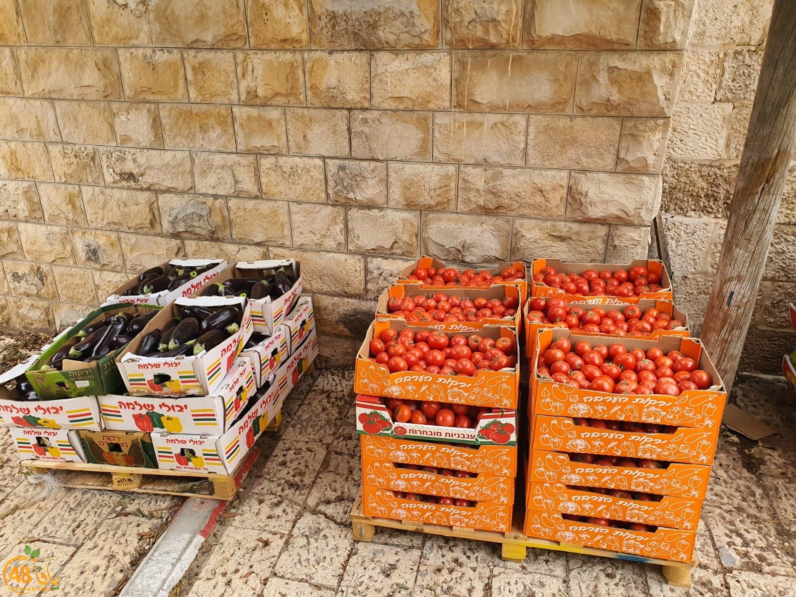 لجنة الزكاة في اللد تبدأ بتوزيع الطرود الغذائية على العائلات المستورة