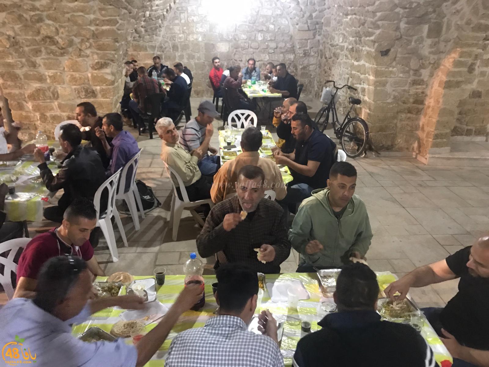بالصور: إفطار جماعي في مسجد يافا الكبير المحمودية ضمن مشروع إفطار صائم السنوي