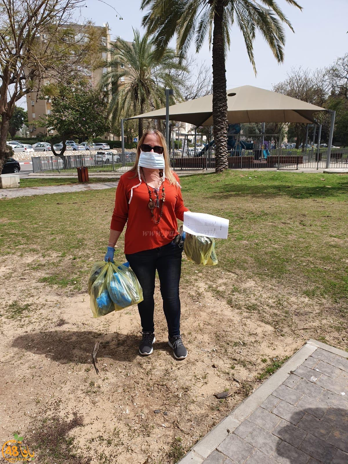 نحن نحتاجك - شباب من يافا يتطوعون لمساعدة المسنين في المدينة
