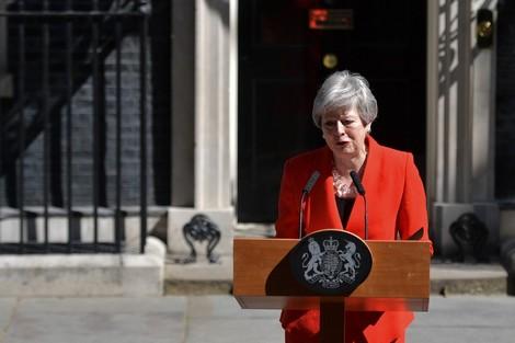 بالدموع.. ماي تستقيل من رئاسة الوزراء بعد فشل الخروج من الاتحاد الأوروبي