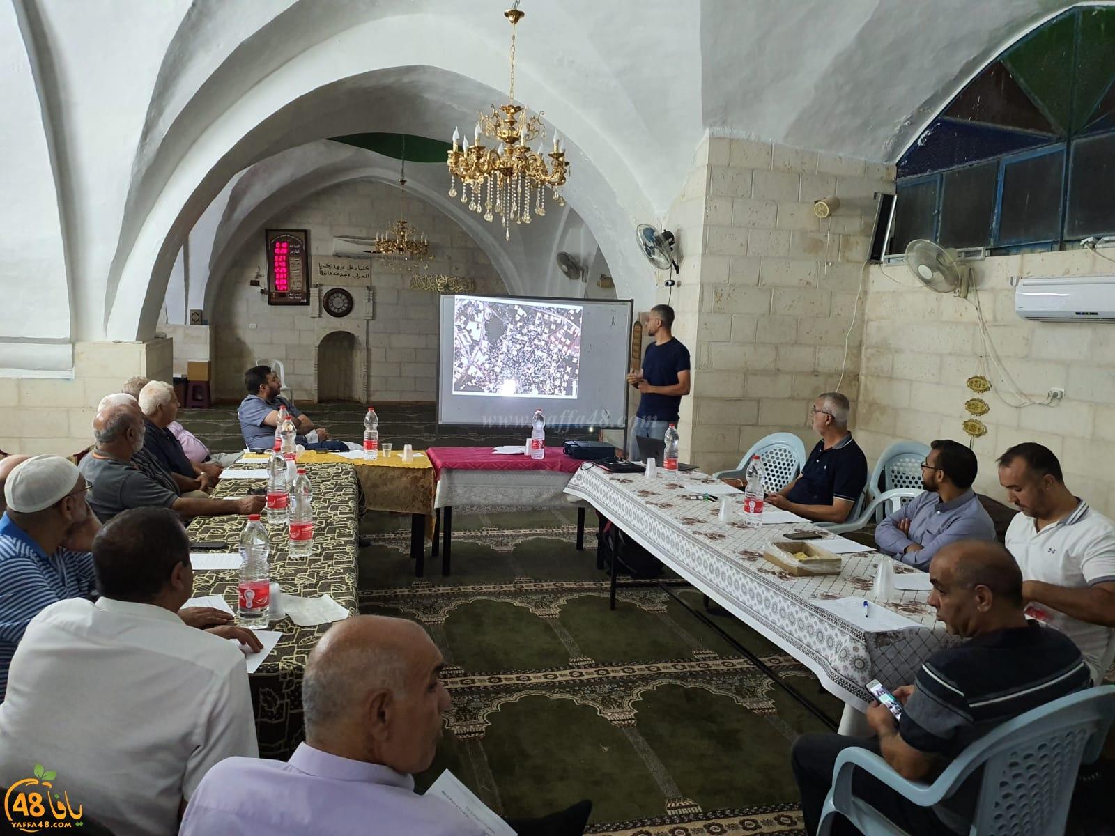 بالصور: اجتماع ومحاضرة في اللد تمهيداً لاطلاق معسكر للحفاظ على المقدسات