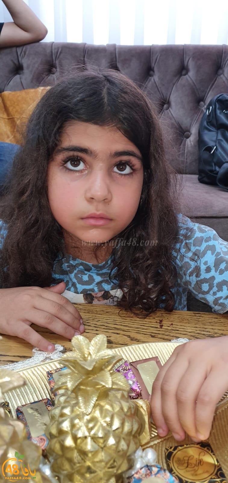 فيديو: لا تتركوا الطفلة رهف العبرة من الرملة بلا رعاية تعليمية لوحدها بسبب السرطان
