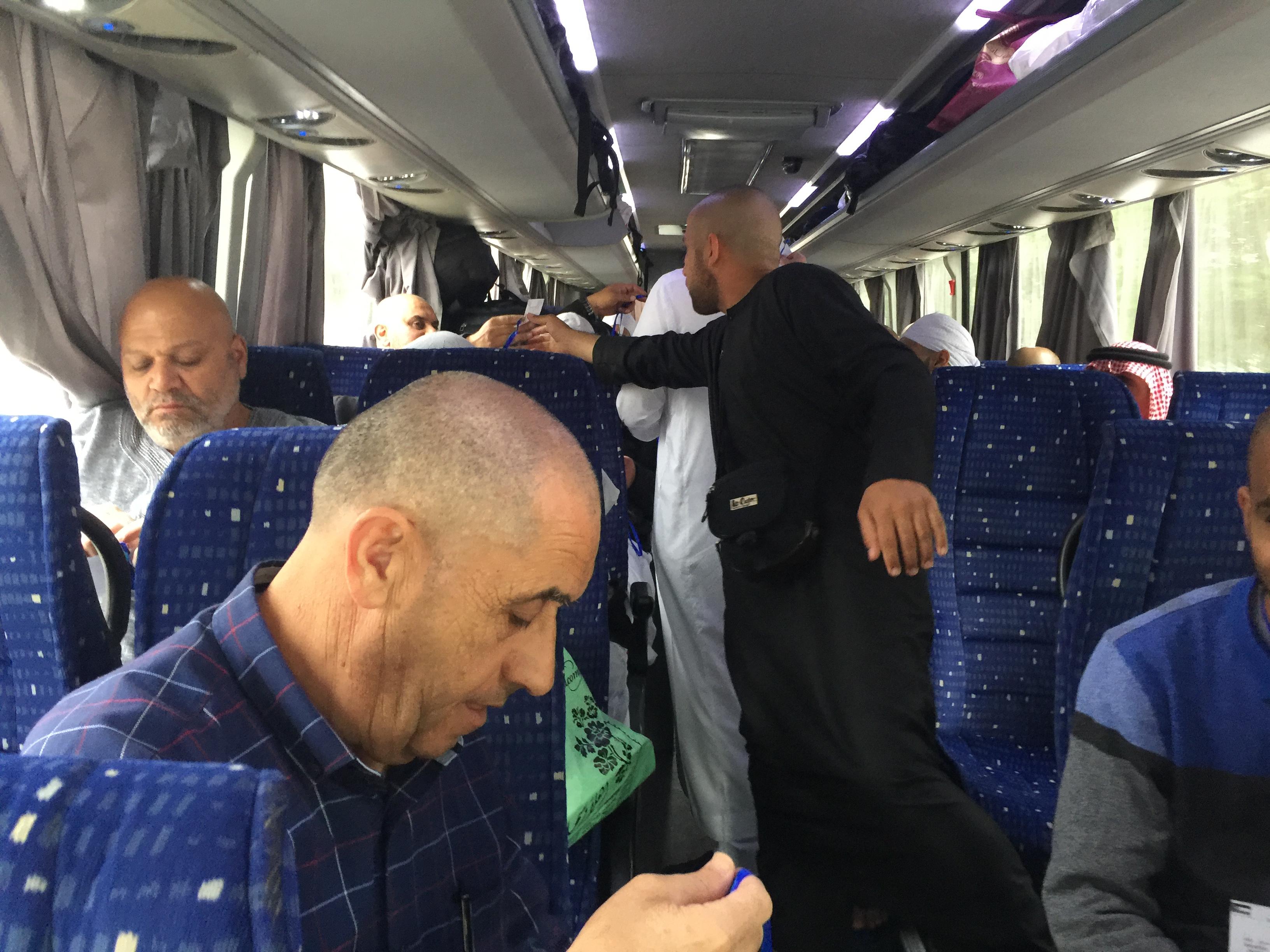 مكة المكرمة: معتمرو اللد الرملة (الجو) يغادرون الى المدينة المنورة