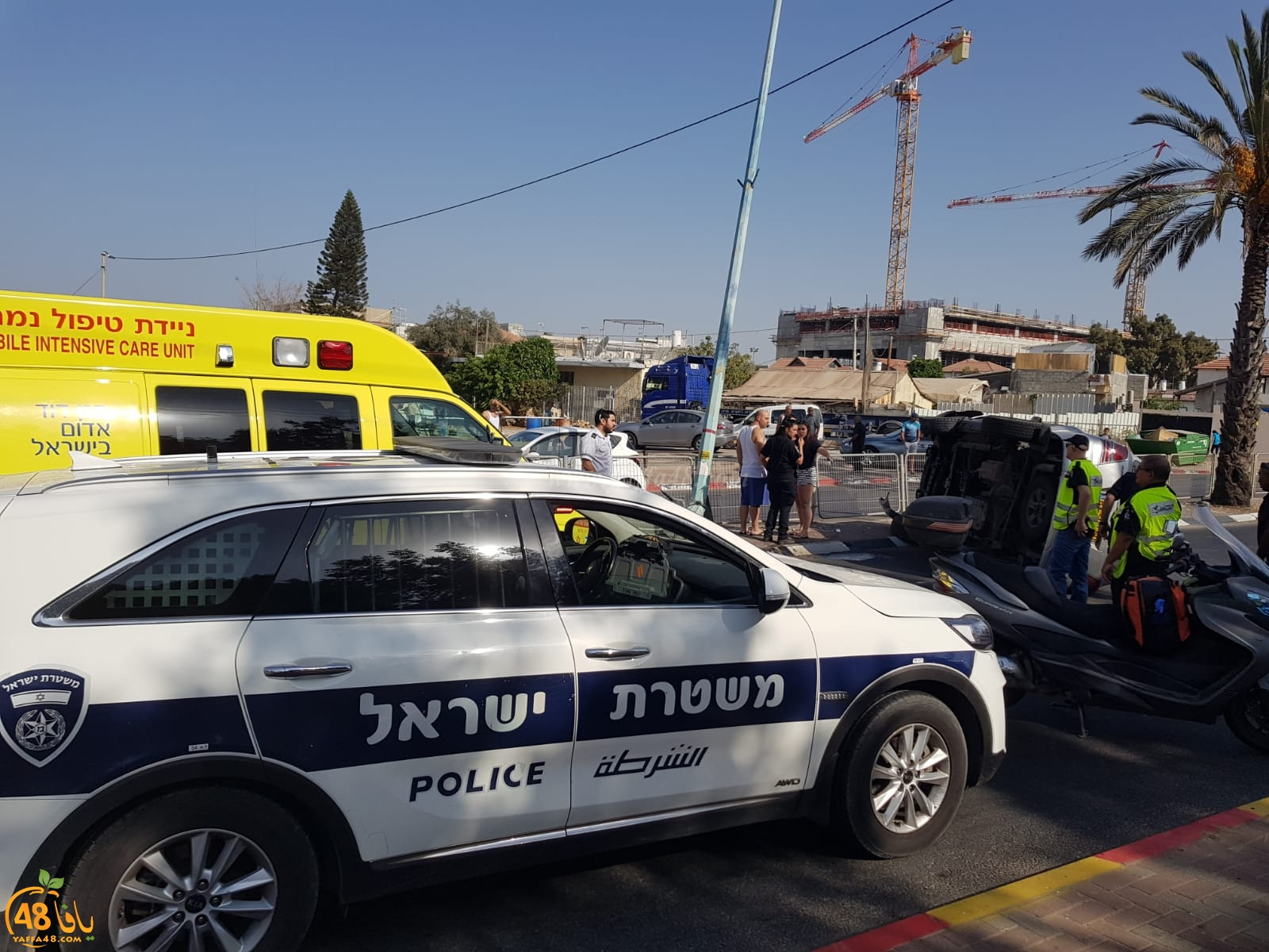 اللد: إصابات طفيفة بانقلاب مركبة وسط المدينة