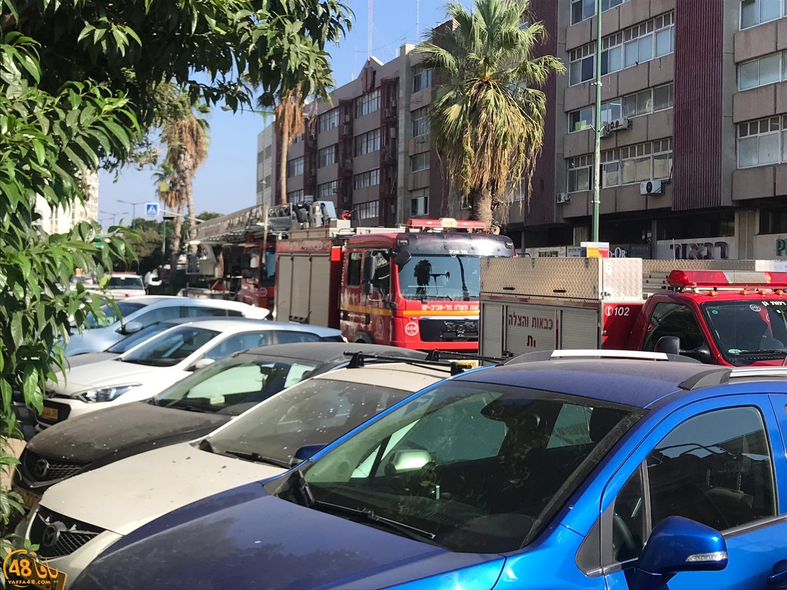 بالفيديو: حريق داخل متجر لبيع الهدايا في مدينة يافا دون اصابات