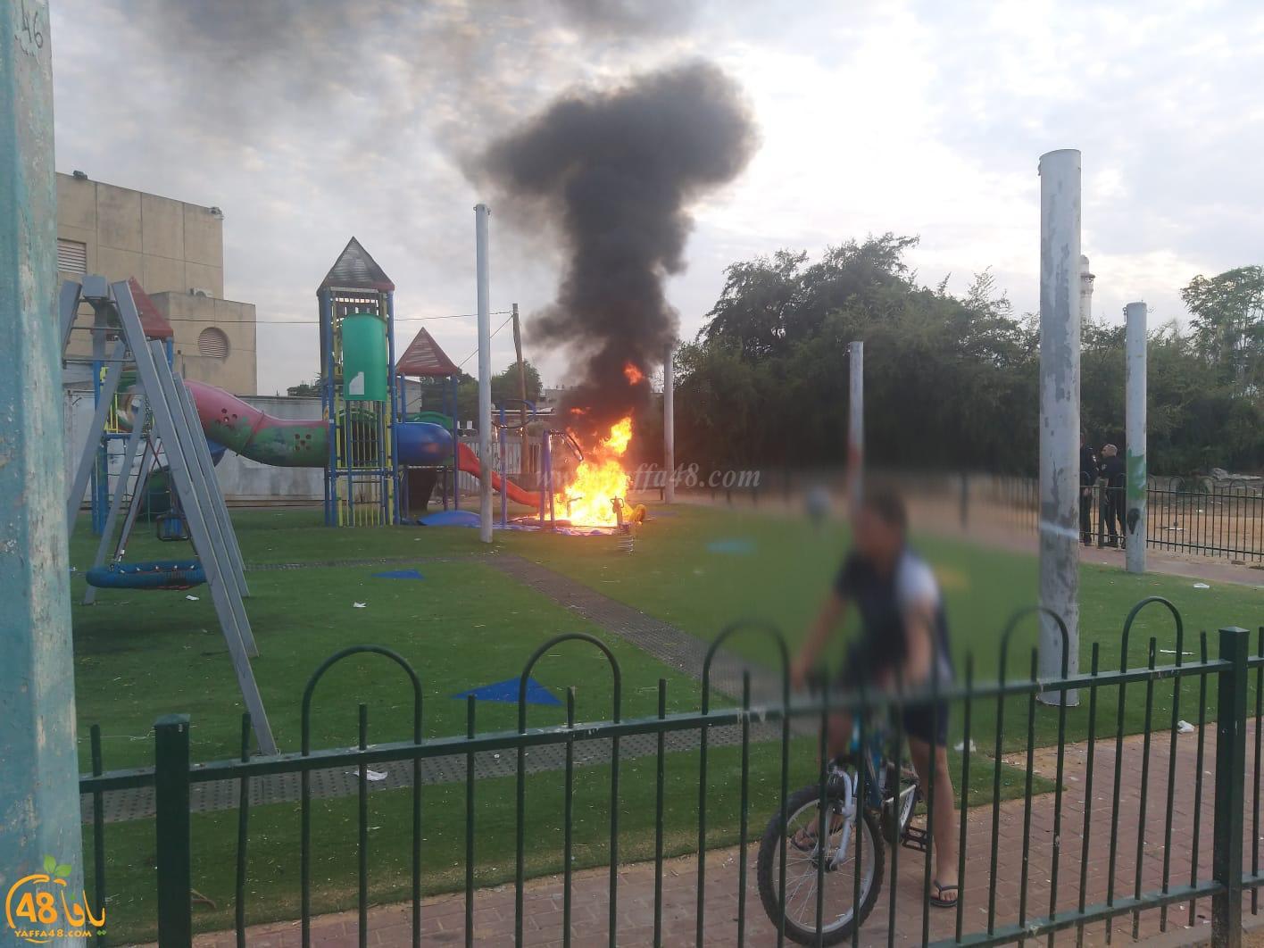 تخريب ممتلكات المدينة - حريق في حديقة ألعاب للأطفال في حي رمات أشكول باللد