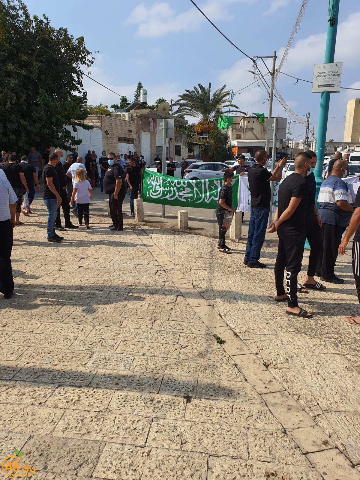 فيديو: وقفة نُصرة لرسول الله أمام المسجد الكبير بمدينة اللد