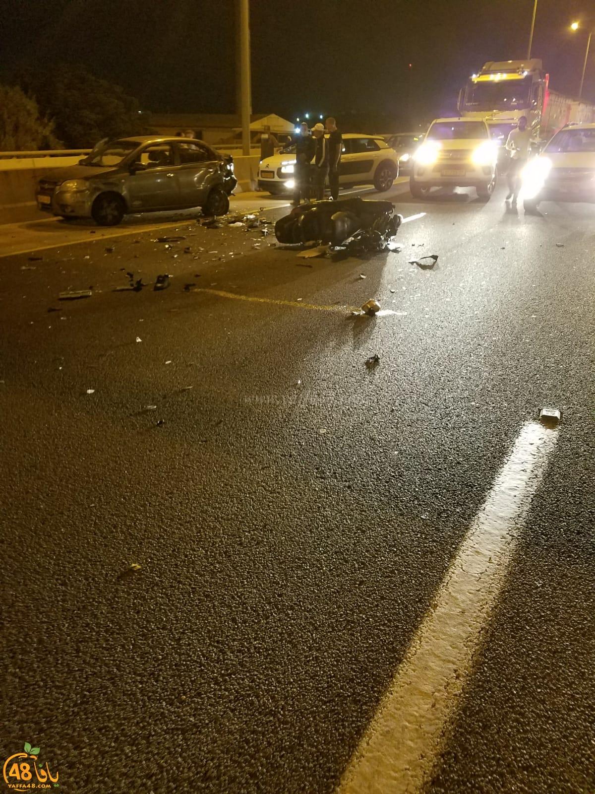 مصرع شخص بحادث طرق بين مركبة ودراجة نارية قرب الرملة