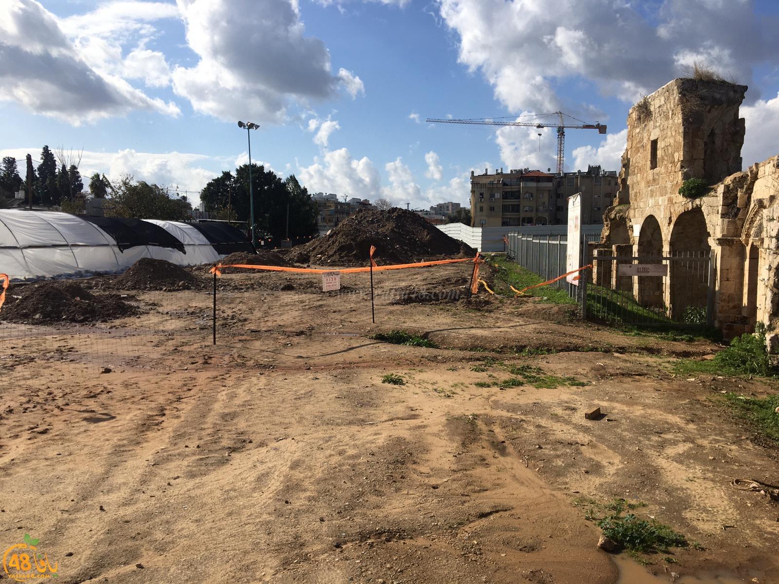 نشطاء من اللد: نطالب البلدية بوقف الحفريات في منطقة خان الحلو الأثرية