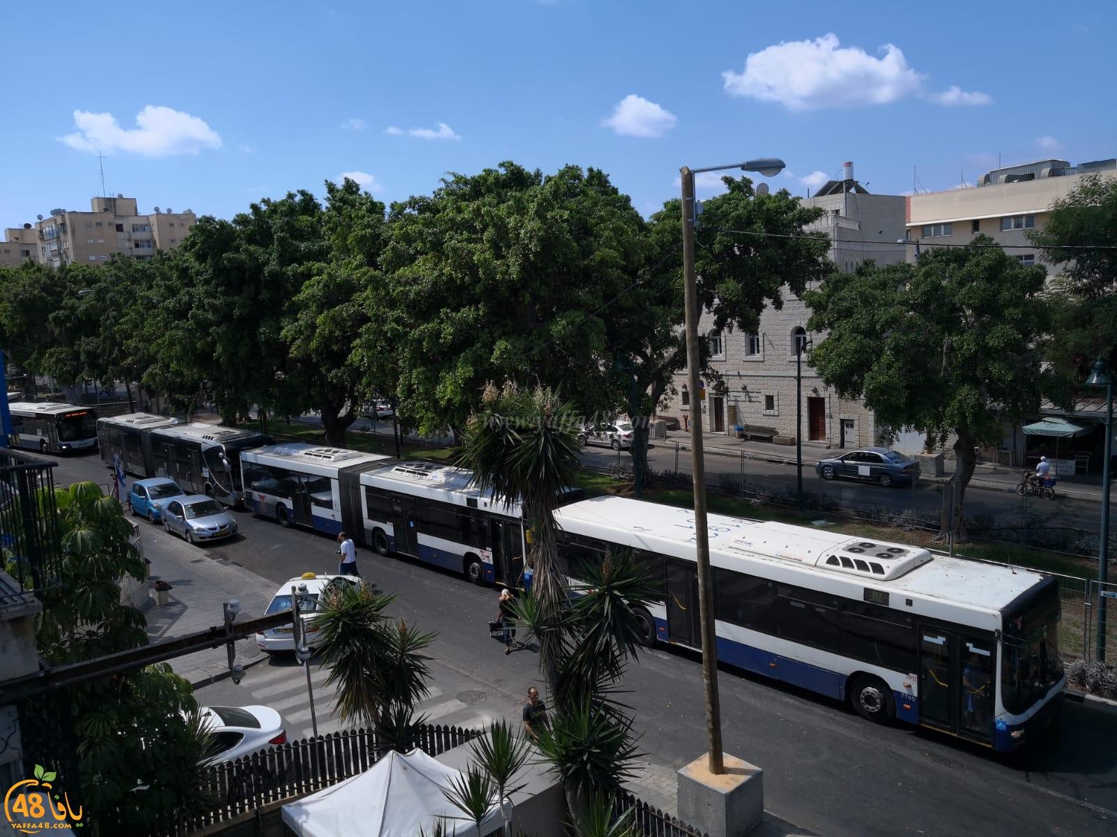 يافا: ازمة مرورية في شارع شديروت اثر تعطّل حافلة