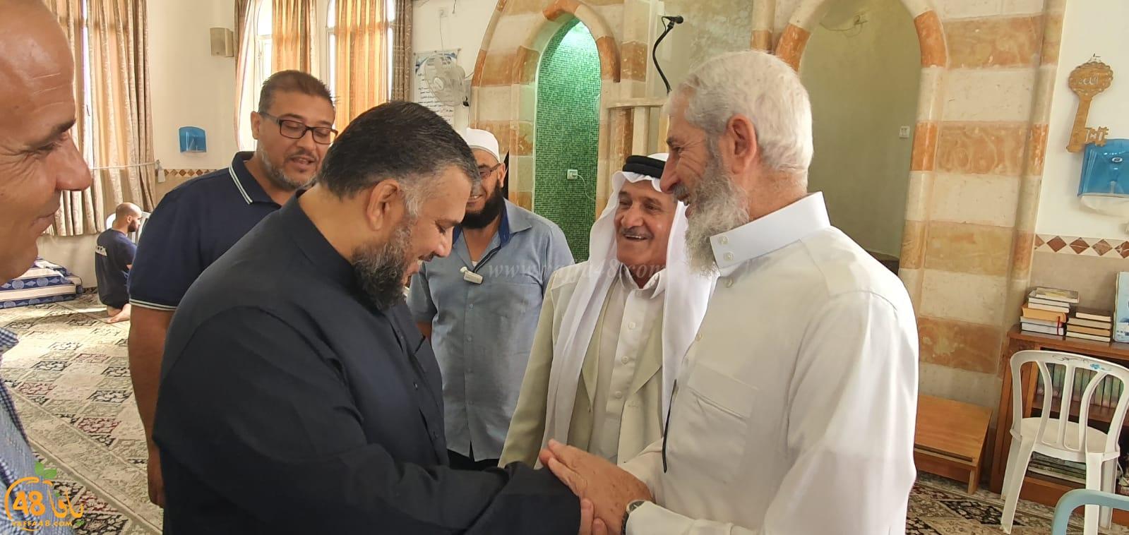 الرملة: الشيخ علي الدنف يعود الى منبر مسجد الرباط بعد شهر من اصابته