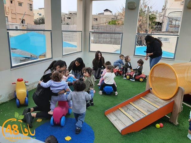 يوم دراسي في الحضانة لطالبات تخصص طفولة مبكرة في مدرسة يافا الشاملة