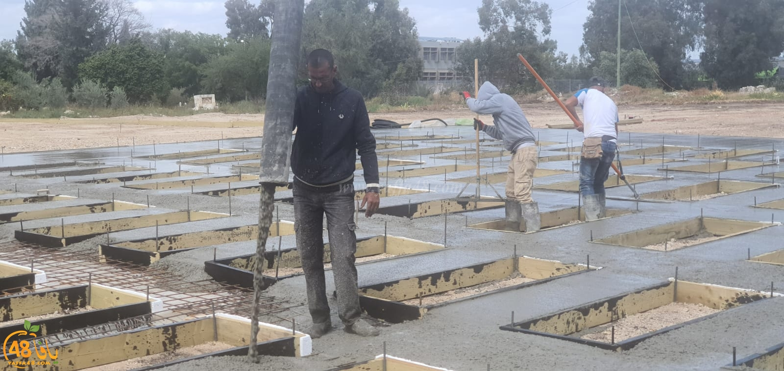 فيديو: البدء ببناء مسطحات القبور في المقبرة الجنوبية في مدينة اللد