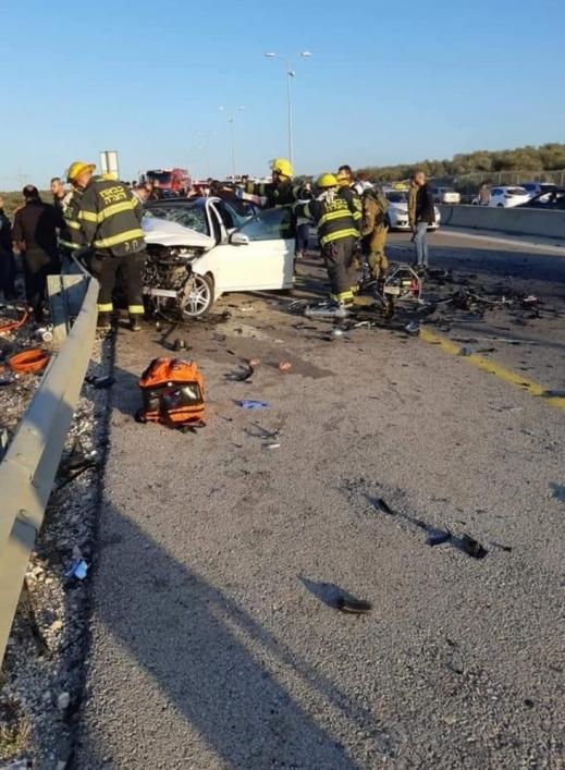 مصرع شخص وعدّة إصابات في حادث طرق بين مركبتين قرب كفر قاسم