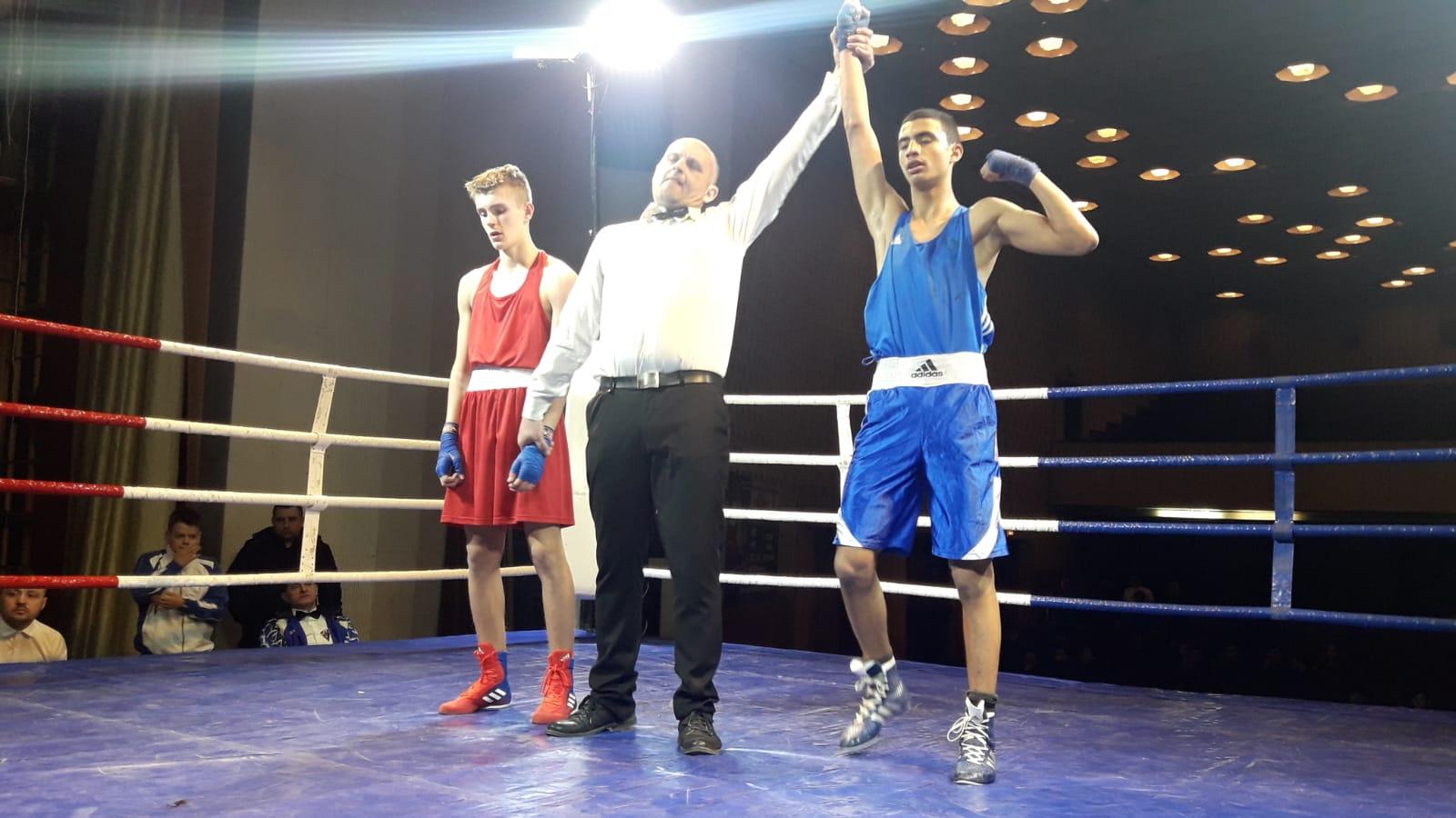 الملاكم اللداوي صافي شعبان يحصد المرتبة الاولى في بطولة دولية