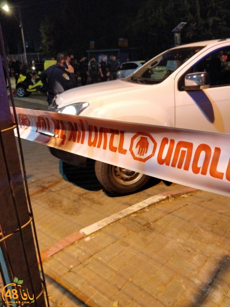 اللد: وصول مصاب بإطلاق نار الى محطة الشرطة بالمدينة وحالته حرجة