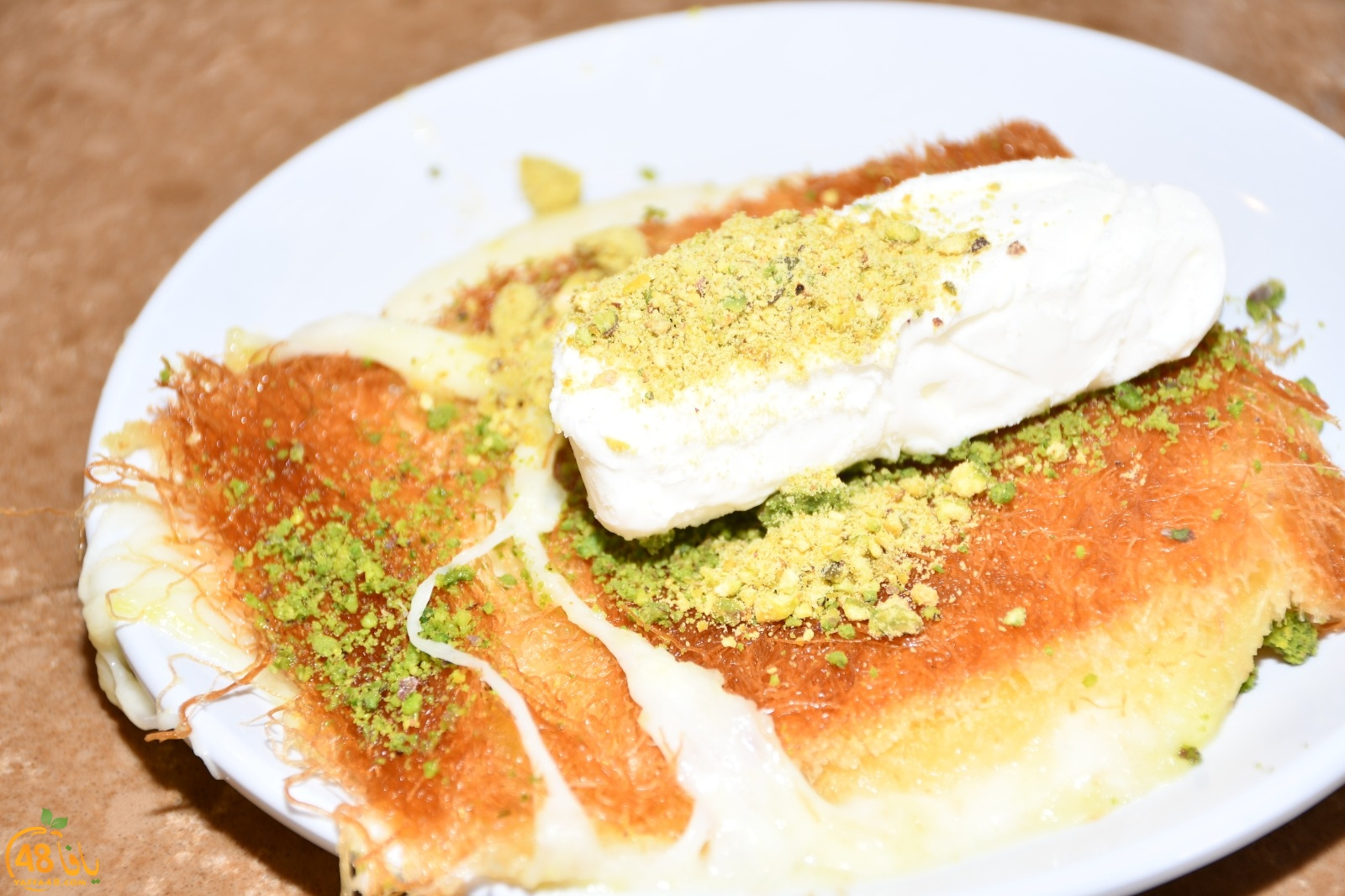 ع بالكم صحن كنافة؟! - حلويات الحج بيك في يافا ينتظركم بألذّ أطباق الكنافة الشامية