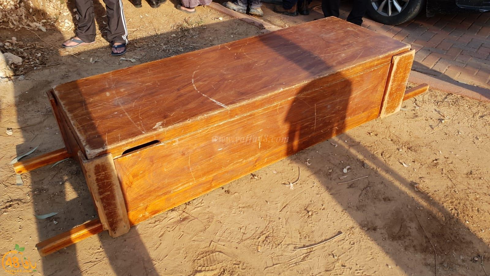 بالفيديو: جموع غفيرة تشارك في تشييع جثمان السيد سامي نصاصرة في اللد