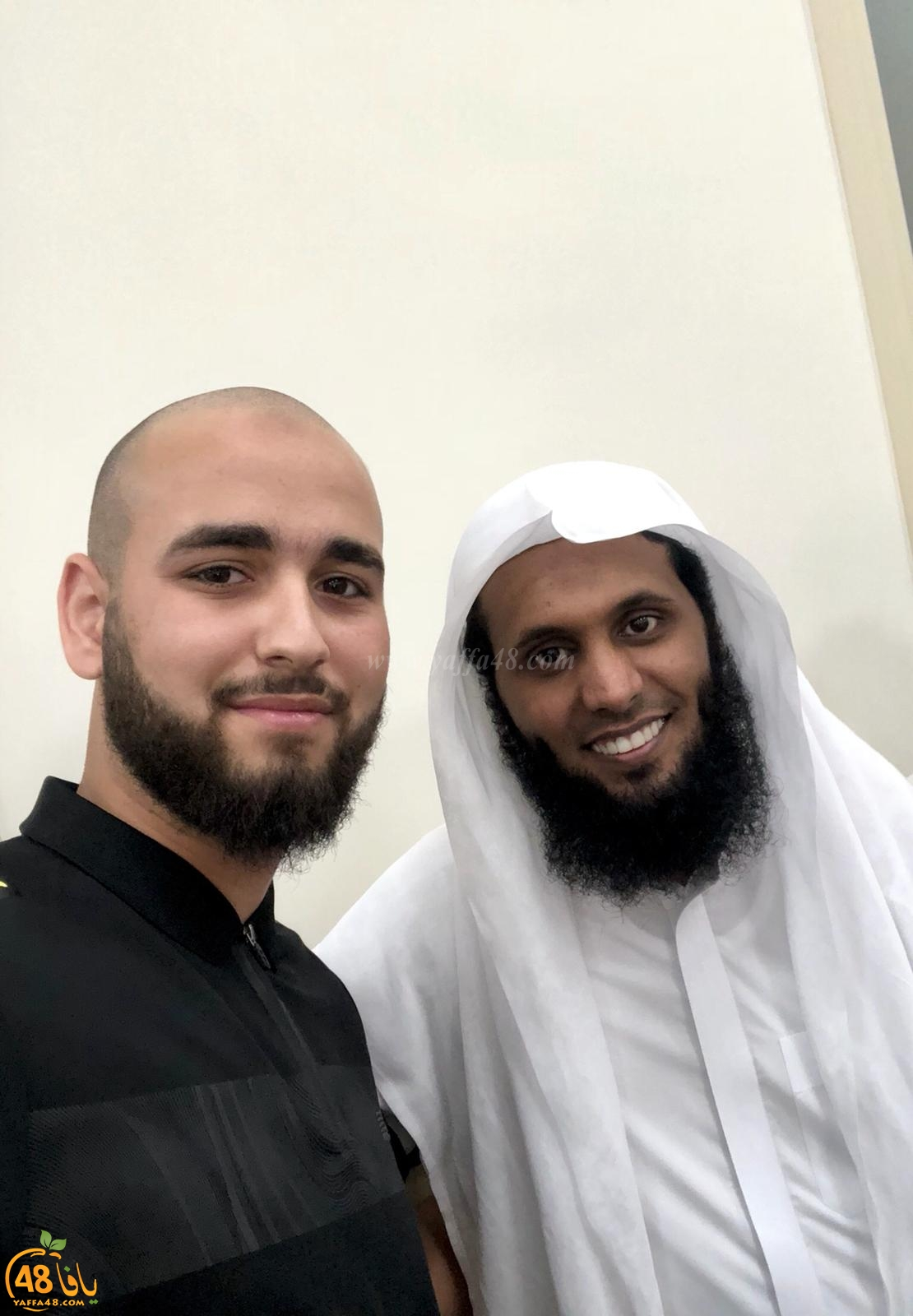 فيديو: الشاب اليافاوي عبد الفتاح زبدة يُنشد مع الشيخ منصور السالمي
