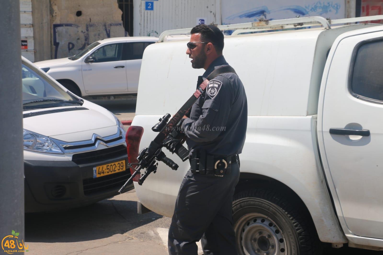 فيديو: الشرطة تعتقل رئيس الهيئة الاسلامية بيافا وتعتدي على الشبان بالضرب