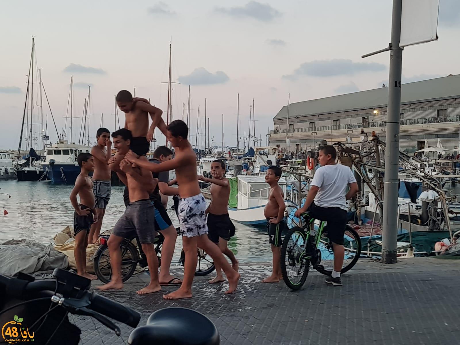 يافا: الشرطة تُبعد قاصريْن عن ميناء يافا بحجة السباحة في مرفأ الميناء