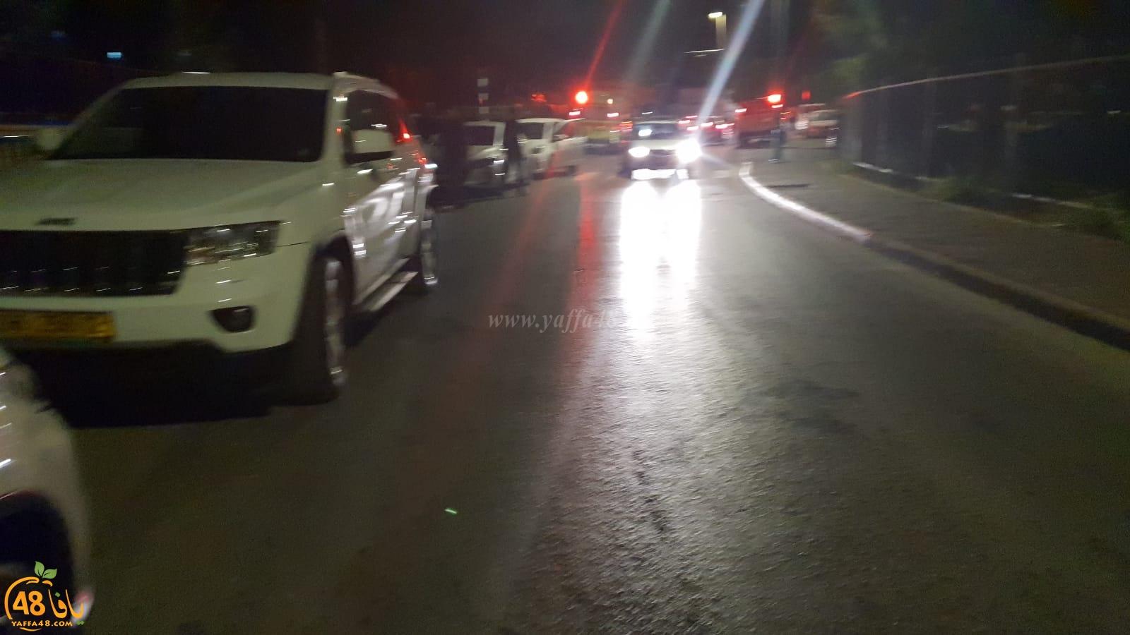 بالصور: إطلاق نار في اللد والشرطة تنشر حواجزها في المدينة