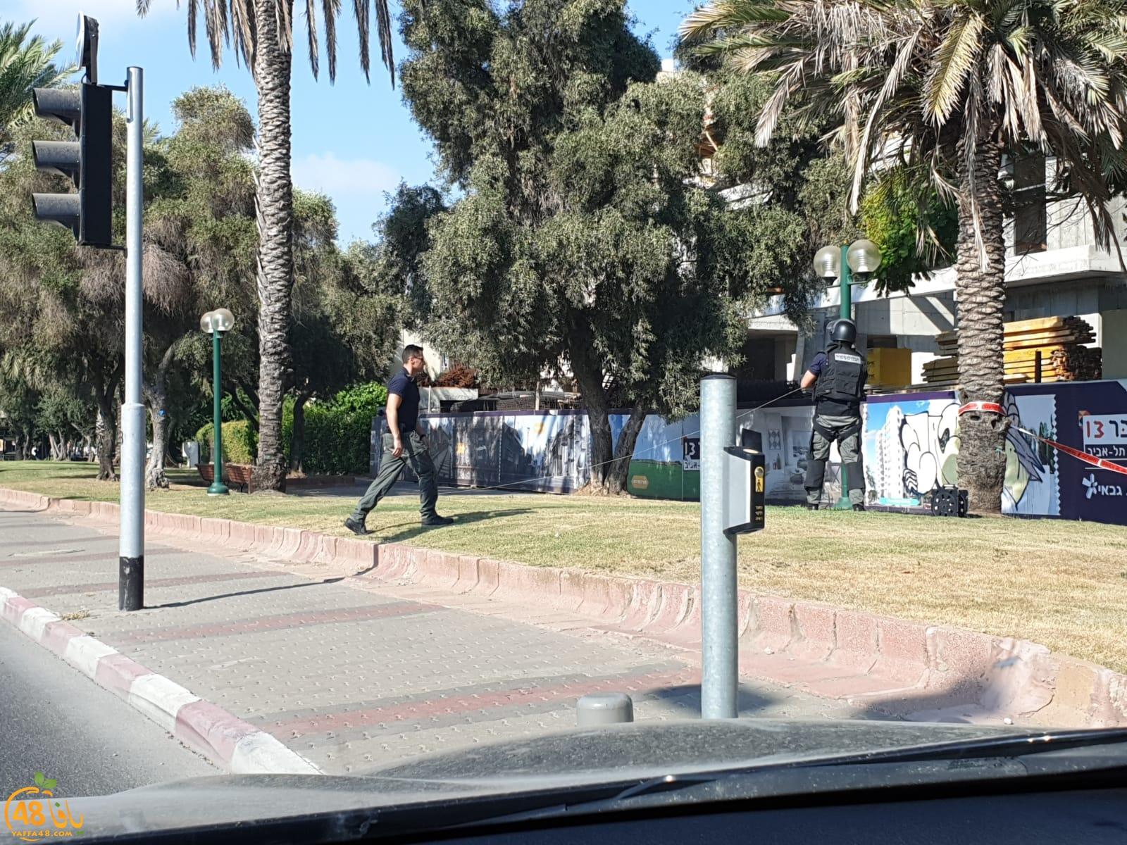 بالصور: الشرطة تعالج جسماً مشبوهاً في مدينة يافا