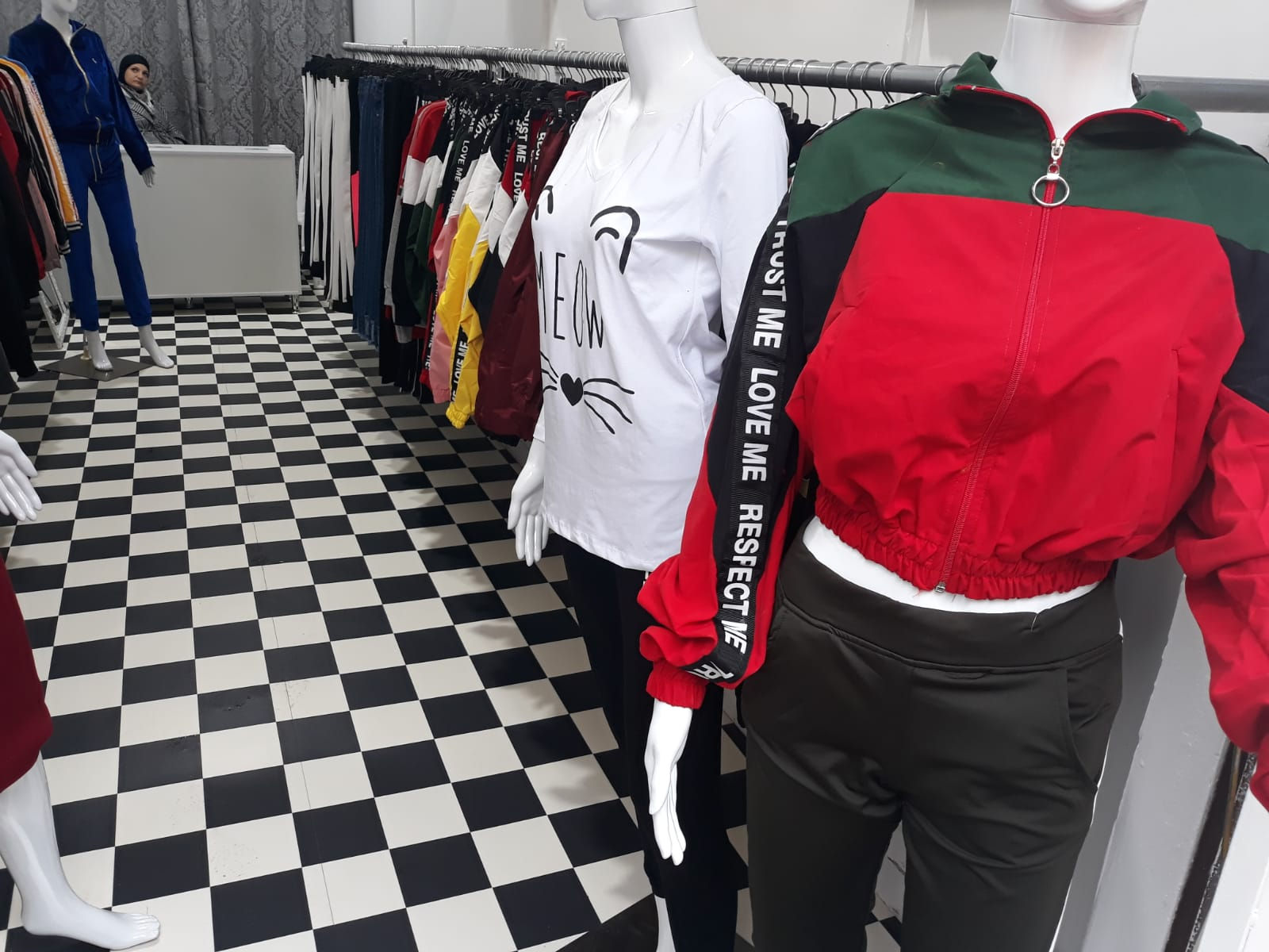 يافا: ملابس الوفاء - أرقى الملابس النسائية بأسعار مميّزة
