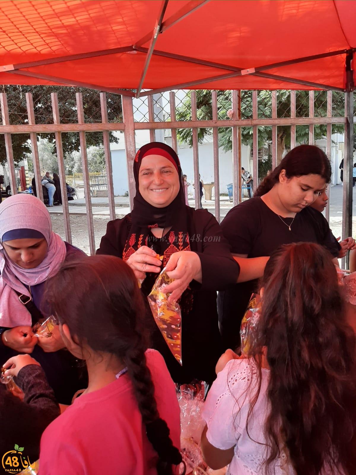 بالصور: مدرسة الأمل بالرملة تُنظم فعاليات الزيتون والتراث الشعبي