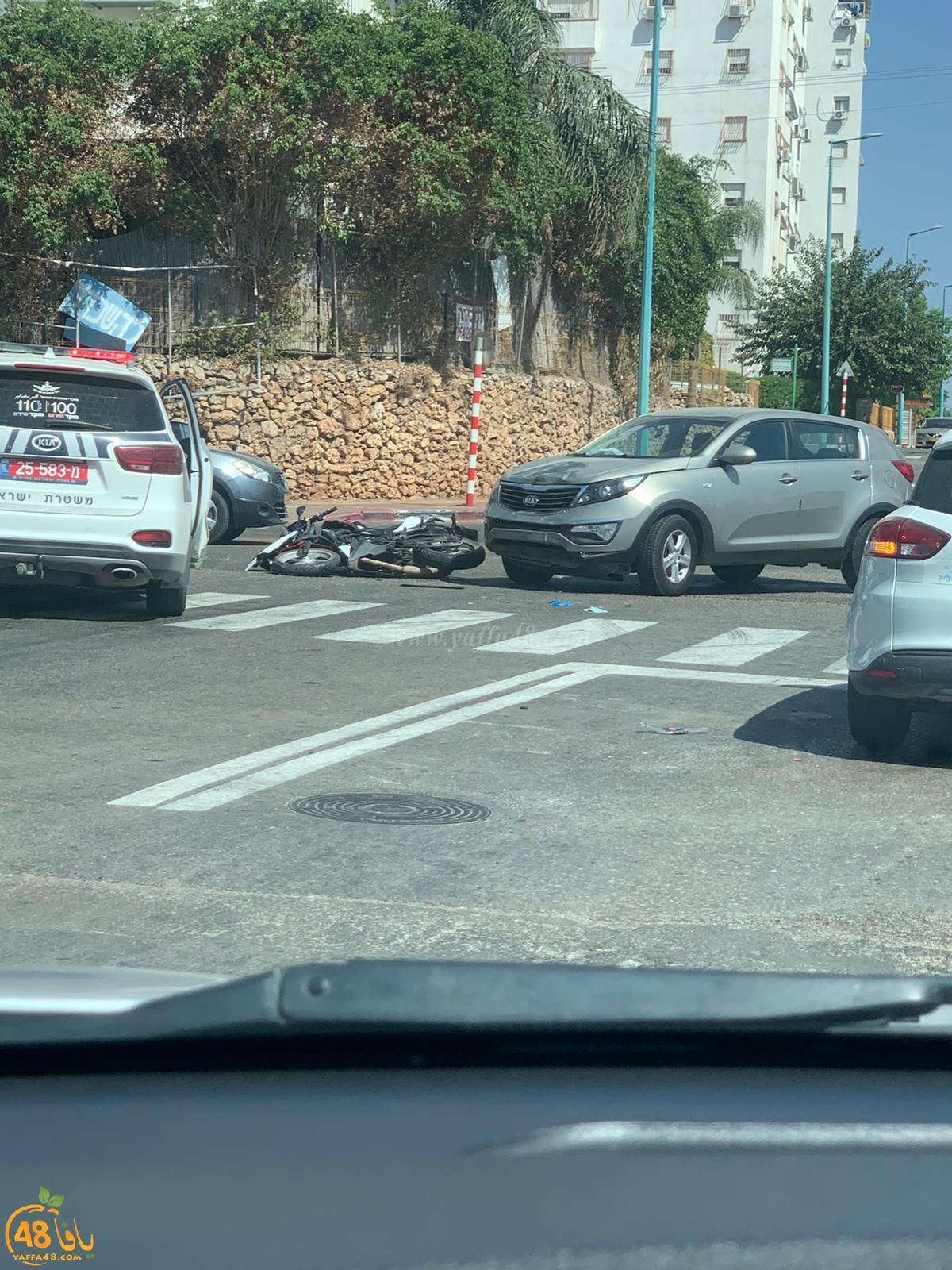 اللد: إصابة متوسطة لراكب دراجة نارية بحادث طرق