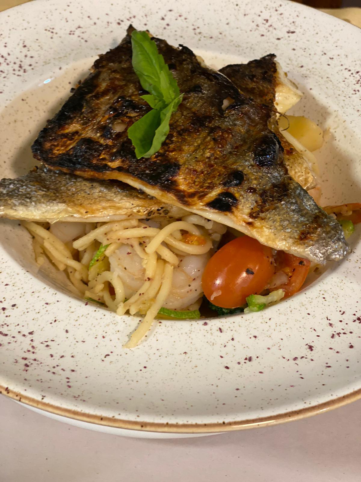 اطلبها وتصلك فوراً - وجبات مطعم أفلوكا البحرية الشهيّة بانتظاركم