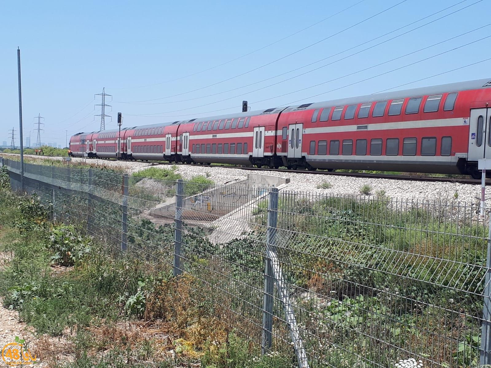 مصرع عابر سبيل تحت عجلات القطار قرب اللد