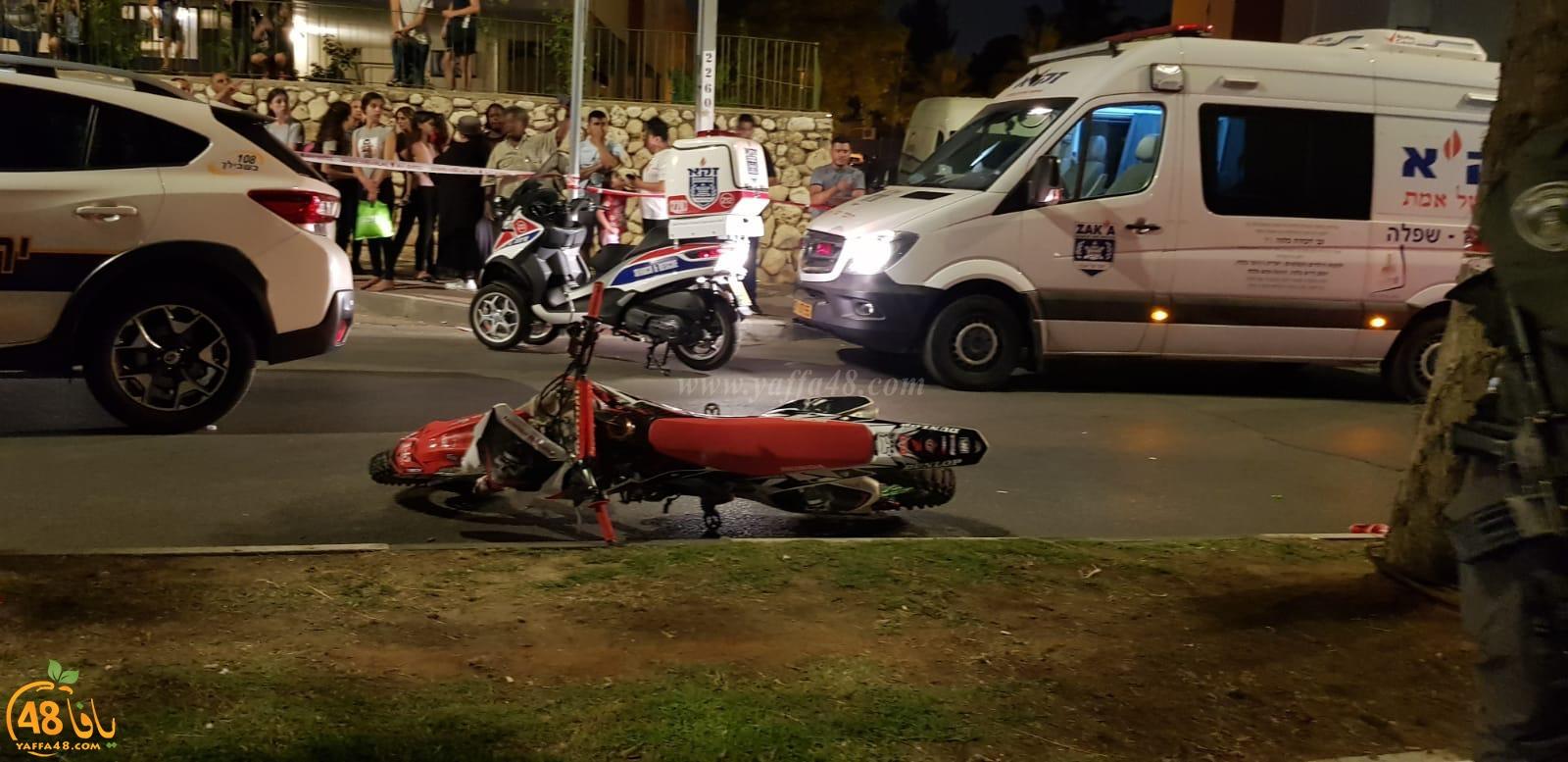 الرملة: مصرع راكب دراجة نارية بحادث طرق مروّع