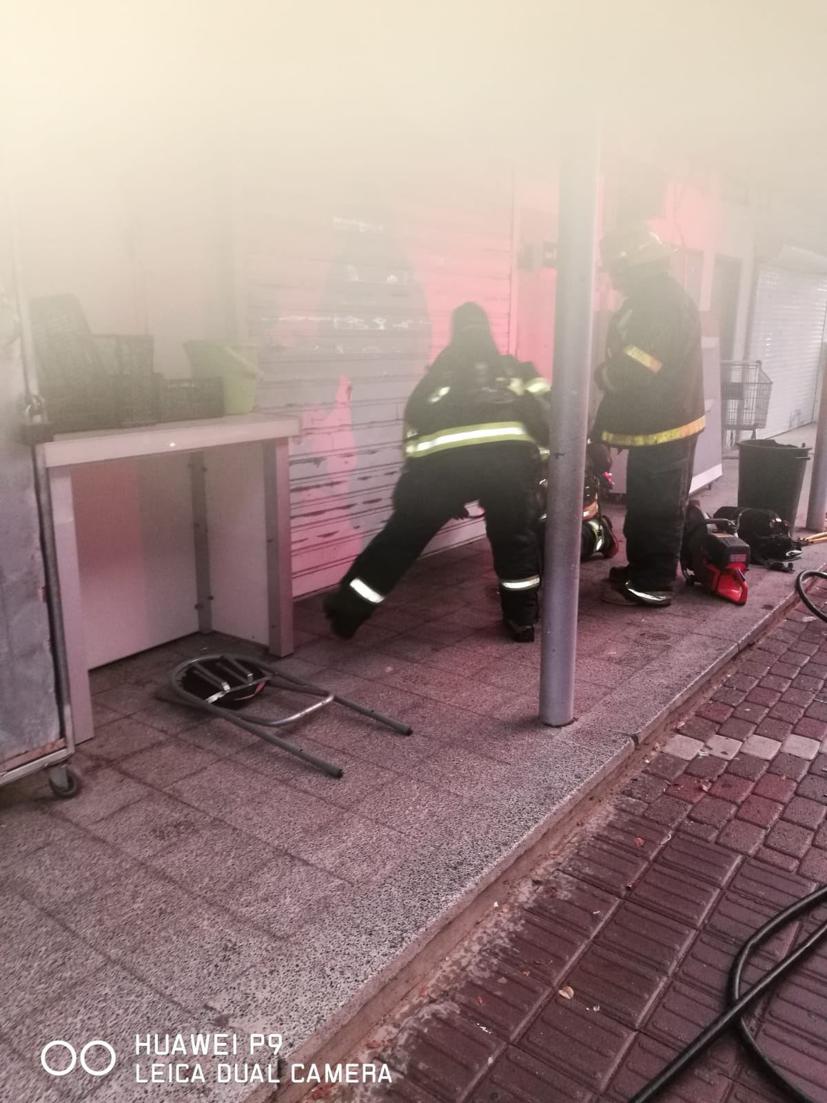 اللد: حريق داخل محل تجاري دون تسجيل اصابات