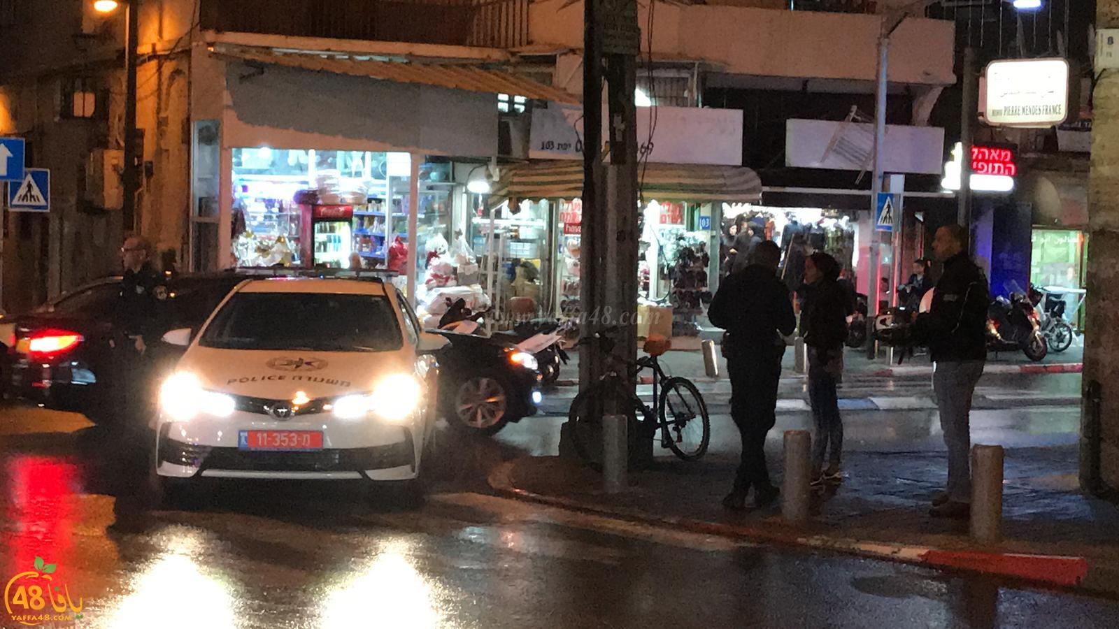 بالصور: احتراق عامود للكهرباء وسط يافا والشرطة تغلق مقطعاً من الشارع