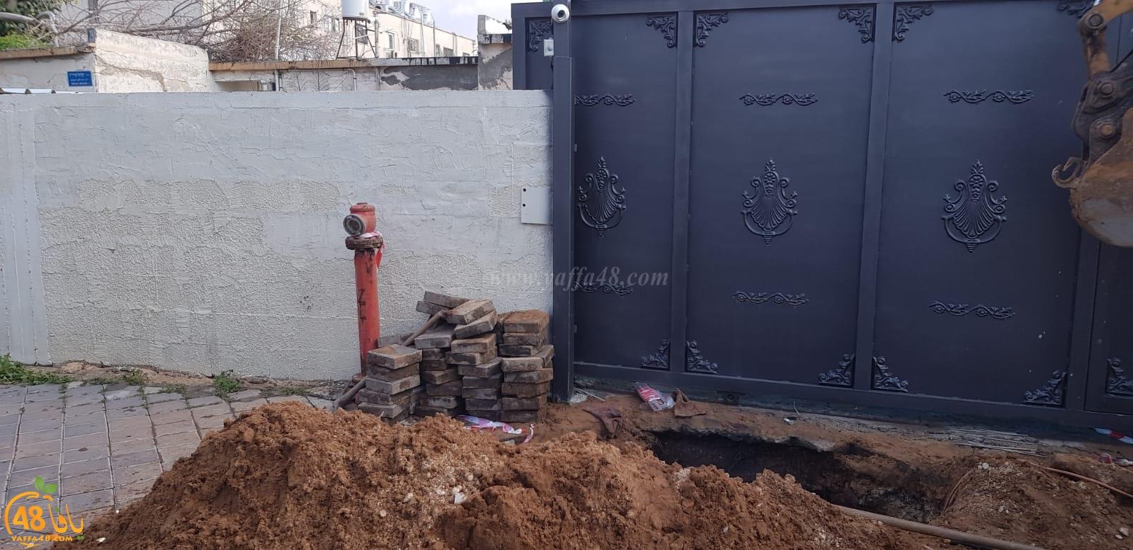 يافا: انقطاع المياه عن عدد من بيوت المواطنين اثر انفجار أنبوب رئيسي
