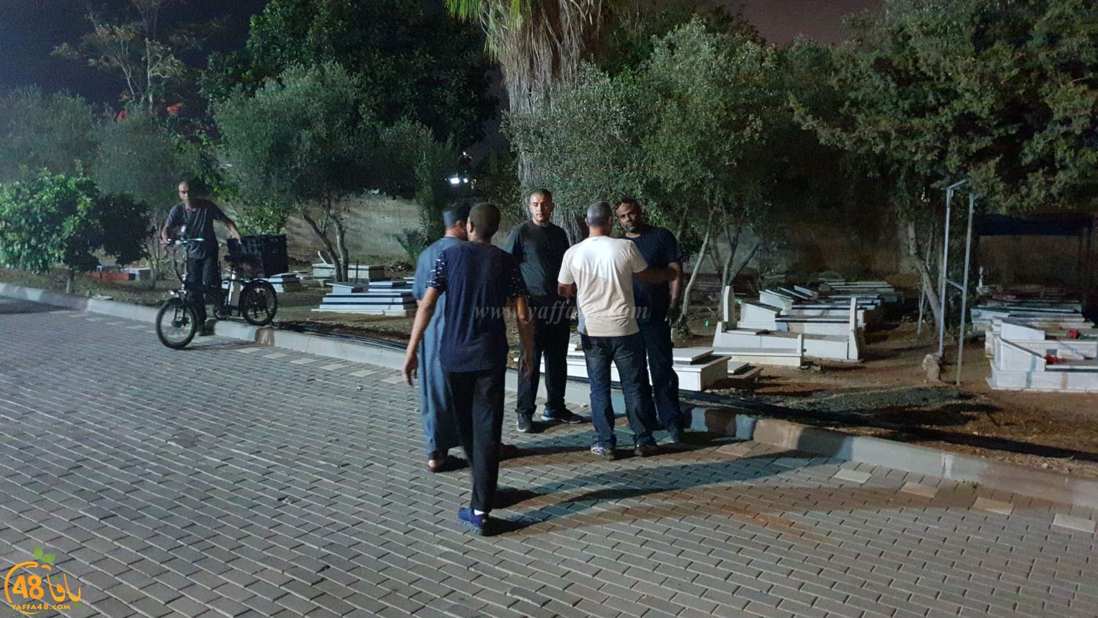 فيديو: جموع غفيرة تُشارك في تشييع جثمان الشاب نادر شقرة ضحية اطلاق النار بيافا