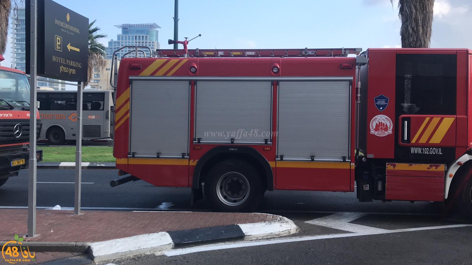 فيديو: حريق داخل مخزن أحد الفنادق شمال مدينة يافا